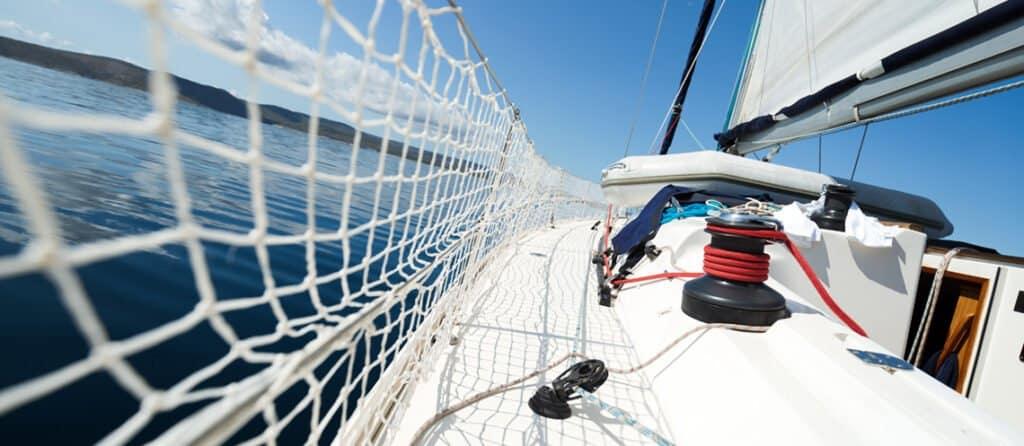 Port vs Starboard sailing boat