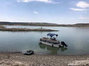 how to beach a pontoon boat